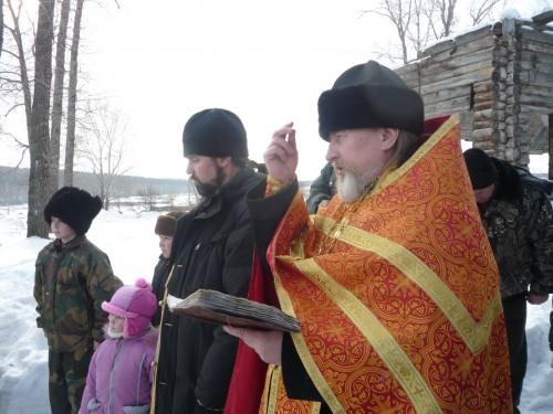 Казаки станицы Бородинской и Иршинской посетили могилу погибших во время Первой мировой войны казаков