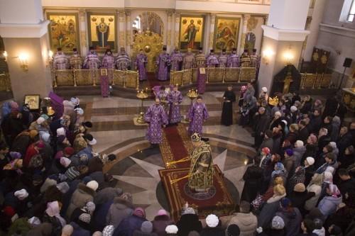 Митрополит Красноярский и Ачинский Пантелеимон возглавил Божественную литургию и чин  Торжества Православия
