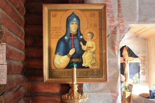 Казаками приобретен киот и подсвечник для иконы Божией Матери Взбранной Воеводе Победительная